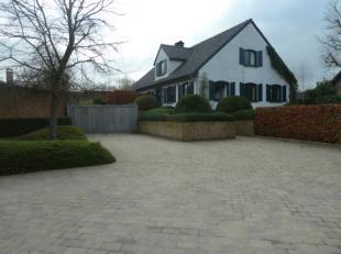 Villa de charme avec emplacement pratique près de lallée E17 à louer à Waregem - connexion facile à Gand et Courtra