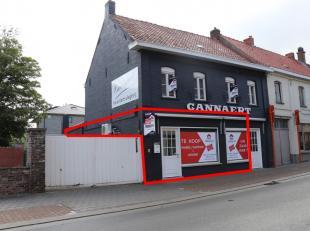 Bureau / magasin / salle polyvalente situés au centre d'AnzegemEmplacement commercialCette propriété est située sur la rou