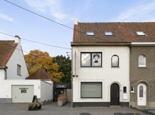Maison récemment rénovée avec 2 chambres située à Waregem avec Wellness.Accueil:De l'extérieur, nous remarqu