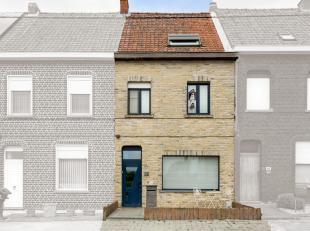 Maison branchée avec 4 chambres, jardin et sortie avec garage! Lieu:Maison située dans un endroit calme à Vichte, à deux p