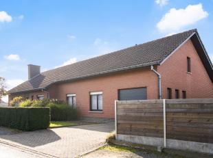 Vrijstaande woning op 650m² met 3 slaapkamers, tuin, kelder, zolder & garage! Ligging:Ideaal gelegen woning in rustige buurt nabij centrum Wa