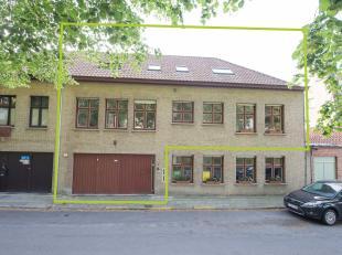 Duplex-appartement met 5 slaapkamers (waarvan 3 kamers vergund als gastenkamers) en garagebox op TOPlocatie met zicht op de Katelijnevest & vlakbi