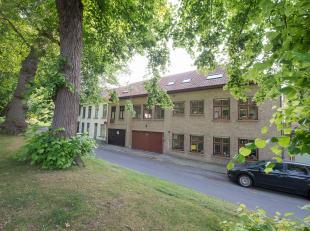 Duplex-appartement met 5 slaapkamers (waarvan 3 kamers vergund als gastenkamers) op TOPlocatie met zicht op de Katelijnevest & vlakbij het Minnewa