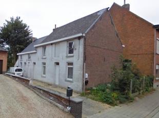 Deze 3 woningen worden samen in totaliteit verkocht voor euro 300.000. Alle 3 de huizen zijn voorzien van een woonkamer, keuken, badkamer en 2 slaapka
