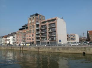 Dit appartement is gelegen op wandelafstand van de grote markt en station in Aalst.<br /> Het appartement bevindt zich op de tweede verdieping en heef