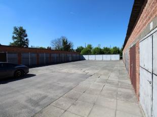 Dit garagecomplex is gelegen op invalsweg van Hofstade naar Aalst. Dit op enkele minuten van de grote markt en autostrade E40.Het complex bestaat uit