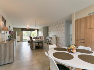 Dit mooie appartement is gelegen in de 3 sleutelstraat te Aalst en werd opgericht in 2007. Dit appartement heeft een oppervlakte van 108m² op de