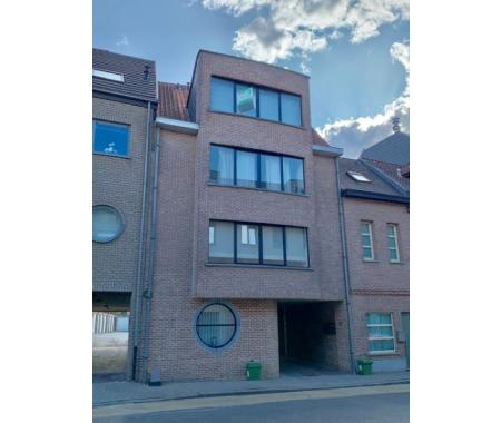 Appartement te huur in Ninove, € 700