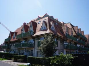 Dakappartement met 2 slpk, dressing en groot terras gelegen op de 4e verdieping van de residentie Sea Port met zicht op de havengeul te Nieuwpoort-Bad