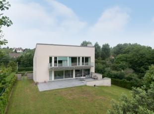 Moderne villa met 5 slaapkamers zeer rustig gelegen op 1085m² in de Simli-wijk te Nieuwpoort-Bad op slechts 600m van het strand en het commerci&e