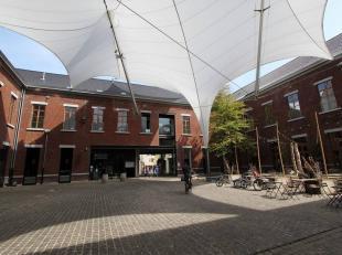 Espaces commerciaux bien situés à louer, dans le centre de Tongres-Ces bâtiments ont une surface au sol de 124m² à 390