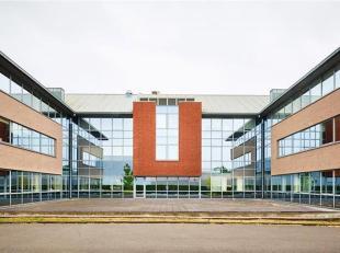 Goed gelegen en standingvolle kantoren TE KOOP in Grimbergen.<br /> Verschillende oppervlakten beschikbaar: van 150m² tot 1.350m²<br /> Cont