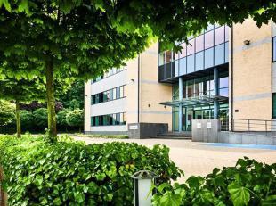 Goed gelegen en standingvolle kantoren TE KOOP in Diegem.<br /> Volledig kantoorgebouw: 8.409m² - Kantoren, archiefruimte en parking<br /> Contac