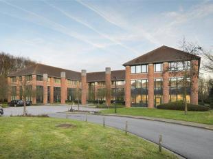 Goed gelegen en standingvolle kantoren TE KOOP in Waterloo.<br /> Verschillende oppervlakten beschikbaar: van 278m² tot 1.160m²<br /> Contac