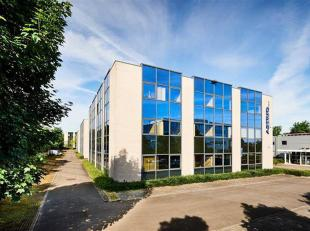 Zeer goed gelegen kantoren TE KOOP in Wemmel.<br /> Verschillende oppervlaktes beschikbaar van 161m² tot 1.314m²<br /> Contacteer ons voor m