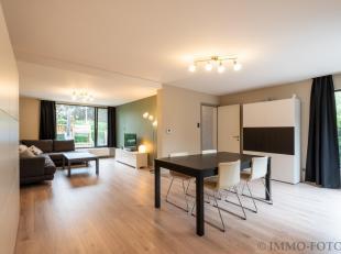 Deze leuke instapklare starterswoning geniet een rustige én tevens centrale ligging te Sint-Niklaas op een terrein van 447 m2.  De woning werd