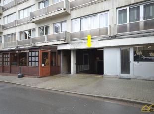 ONDERGRONDSE GARAGEBOX IN STADSCENTRUM<br /> Deze garagebox ligt op midden in het stadscentrum van Sint-Truiden. De ingang is via de Kazernevest, tege
