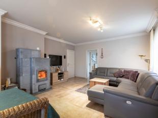 Rustig gelegen gelijksvloerse woning te Kasterlee te koop! De woning is instapklaar, goed onderhouden en gelegen op een perceel van 1794 m², voll