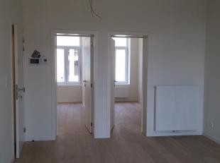 Recentelijk volledig gerenoveerd appartement te huur, volledig ingericht, met lichtarmaturen en gordijnen incl..Luxueus gerenoveerd met oog voor detai