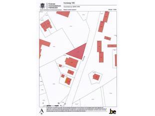 Mooi perceel bouwgrond, gelegen langs de Hooiweg (rechts van nr. 168). Het perceel is een driehoek, met een breedte van 41,50 m op een diepte van 38,5