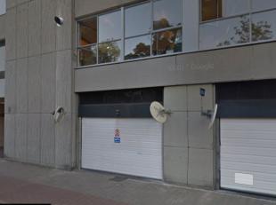 """Gesloten garagebox in de uiterst centraal gelegen residentie """"De Dryhoeck"""" aan Albertpark. <br /> <br /> Ingang via de gemeenschappelijke automatische"""