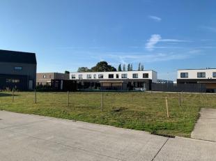 Gunstig gelegen bouwgrond van 831 m² gelegen in een doodlopende straat in Lochristi.<br /> Zuidgeoriënteerde tuin, straatbreedte van 35,5 m<br /> Moge
