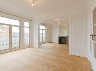 Brussels in the city center, luxury apartment, very bright and fully renovated of + - 170m ² including: entrance hall, fully equipped kitchen, living