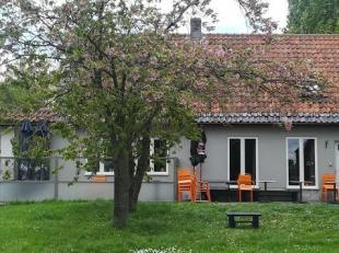 Uniek gelegen landelijke eigendom, momenteel uitgebaat als café-restaurant  (café D'Heybeke) met woongedeelte te Roesbrugge-Haringe, Heybrugstraat 21.