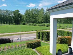 www.youtube.com/watch?v=814gNUKWMIo<br /> <br /> Ruime instapklare villa, volledig gerenoveerd in 2005, afgewerkt met hoogwaardige materialen.<br /> O