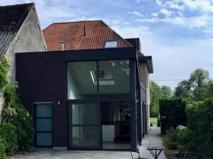 Het gaat om een moderne, instapklare woning met een prachtig uitzicht, gelegen Broekkantstraat 38 te Afsnee.<br /> De woning werd volledig gerenoveerd