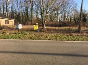Open bebouwing langs de straat,achteraan<br /> geklasseerd natuurgebied!<br /> Onmiddellijke toegang tot de luikersteenweg!<br /> Dichtbij Sint-Truide