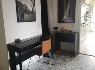 Ruim 2 (oorspronkelijk 3) slpk appartement (circa 130 m²) met veel licht inval en panoramische zicht op Antwerpen en natuur, gelegen op de fel gegeerd