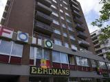 Comfortabel, gerenoveerd appartement met grote garage in Genk Centrum, Dieplaan 29 bus 19.<br /> Appartement te huur met 2 slaapkamers tegenover het s