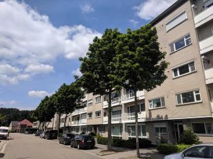 Ruim en rustig gelegen appartement maar toch nabij het centrum van Genk. Bovendien heeft u hier een perfecte verbinding met Hasselt en de nabijgelegen