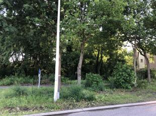 2 half open bouwgronden gelegen aan de Putvennestraat te Kiewit Hasselt.<br /> Lot 13 B:12m/D36m (432m³) 115.000 euro<br /> Lot 14 B:13m/D36m (468m³)