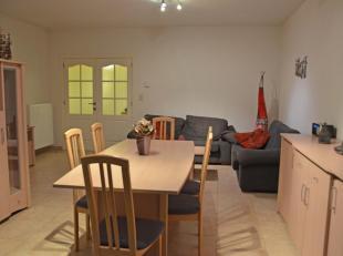Dit mooi ingericht appartement van 90 m2 bevindt zich in een rustige residentie in het hartje van Genk. Zeer gunstig gelegen in de onmiddellijke buurt