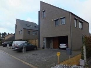 Te huur: recent gelijkvloers appartement (bouwjaar 2006), Vrenenstraat 6, bus 1, 3900 Overpelt.<br /> Appartement omvat: inkom, wc, zitkamer en eetkam
