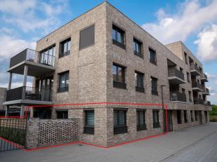 Het BEN(Bijna Energie Neutraal)-appartement (opgeleverd eind 2017) heeft een ruime inkomhal (6m²) met een slpkm (8m²) met eigen toegang naar het terra