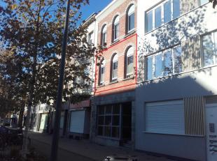 Appartement te huur : Gitschotellei 200 – 1° verdieping – 2140 Borgerhout<br /> Omvattende : <br /> Lichtrijke ruime living met laminaat / nieuwe inge