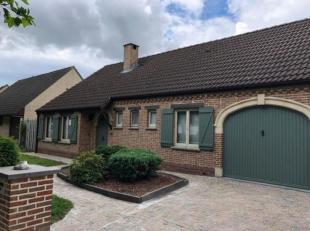 Ruime, open woning in fermette stijl te koop, met uitstekende ligging nabij recreatiedomein de Schorre en dichtbij A12 en E19 (op respectievelijk 2 en