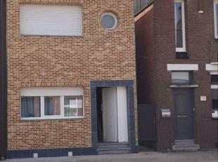 Deze leuke, instapklare woning is gelegen in Kapelsestraat, Kapellen. Nabij het centrum van Kapellen, scholen, winkels en openbaar vervoer. Dubbele be