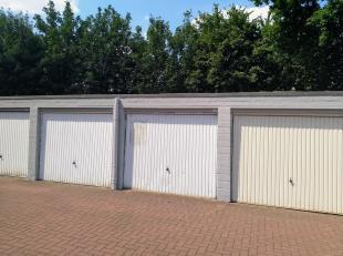Garagebox ter hoogte van Leeuwerikenstraat 37 Heverlee. <br /> Water, licht en elektriciteit is aanwezig. <br /> Dak zeer recentelijk vernieuwd.<br />