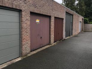 De garage is gelegen achter de 's Heer Woutermanslaan, waar je deze garage via een inrit ( die gelegen is naast huisnummer3) kunt bereiken.<br /> Ligg