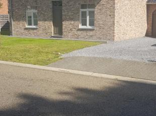 Huis te koop in Heusden-zolder .<br /> Open bebouwing op 10a90ca breed 18m.<br /> De woonst werd gebouwd in 1946 en werd<br /> in 2010 grotendeels ger
