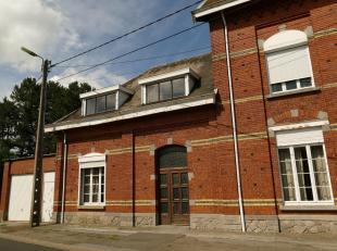 H.O.B. woonhuis met veel potentieel, te renoveren.<br /> Totale oppervlakte 807 ca<br /> Gelijkvloers: grote inkomhal, ruime living, bureel, woonkamer