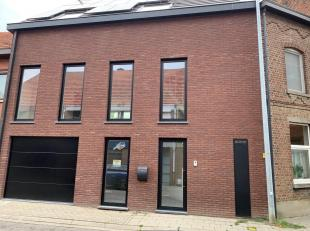 Prachtige nieuwbouw woning vlakbij Leuven centrum en station met school, creche en bakker op wandelafstand.<br /> <br /> In de woning vindt u:<br /> O