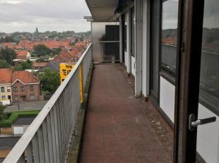 Appartement op de bovenste etage (met lift), incl makkelijk bereikbare berging op gelijkvloers.<br /> Mogelijkheid tot aankoop garage (15.000 bespreek