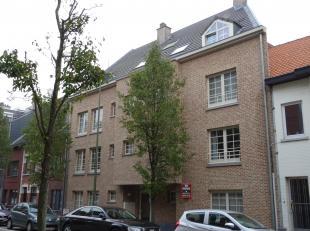 Appartement te huur Kautershoek 32/3 3290 Diest.<br /> Te huur in Diest centrum, vlak bij winkelstraat en toch zeer rustig gelegen luxe appartement op