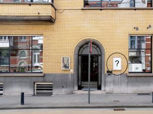 Ruime lichtrijke kantoorruimte (40m2) op eerste verdieping van een architecturale parel gelegen te oude houtlei Gent. Algemene kosten inbegrepen in de