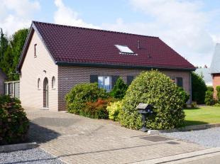 Vrijstaande bungalow; Locht 10 , Wijk Inkensven .<br /> vrijstaande garage met overkapping , perceel 929 m2  .<br /> begane grond ; Hal-Toilet-nieuwe